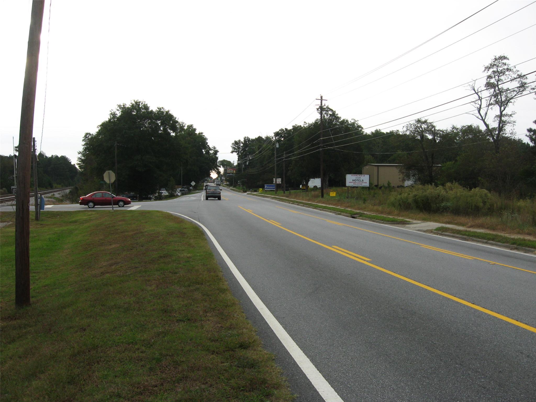 Photo of home for sale at 1226 Atlanta Hwy, Auburn GA