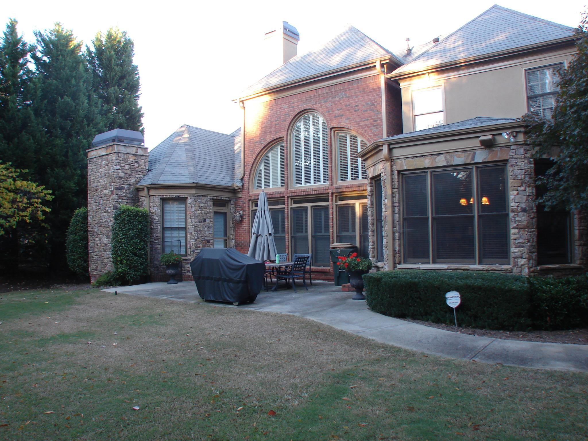Photo of home for sale at 6125 Laurel Oak Dr, Suwanee GA
