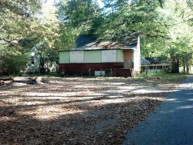 Photo of home for sale at 1485 Ryan St, Atlanta GA