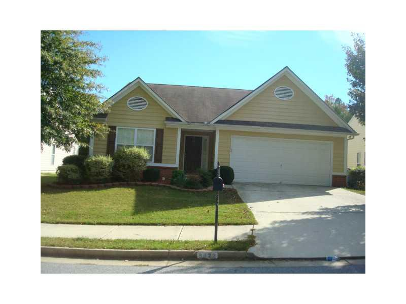 Photo of home for sale at 8422 Somerton Cir, Douglasville GA