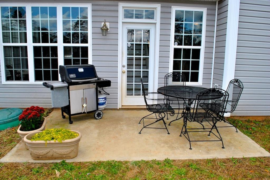 Photo of home for sale at 525 Rippling Ct, Temple GA