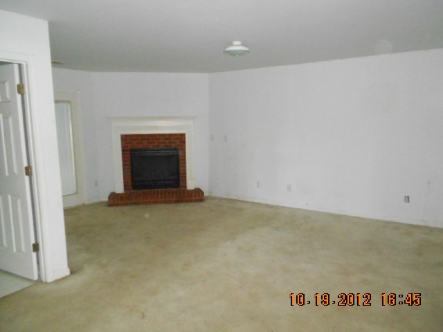 Photo of home for sale at 1116 Lake Lucerne Rd, Lilburn GA