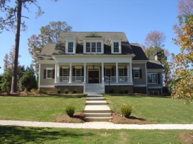 Photo of home for sale at 400 Burbury Close, Fayetteville GA
