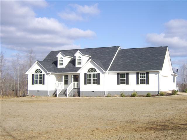 Photo of home for sale at 641 Leonard Rd, Lagrange GA