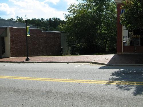 Photo of home for sale at 607 Washington St, Clarkesville GA