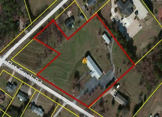 Photo of home for sale at 4960 Flat Creek Rd, Oakwood GA