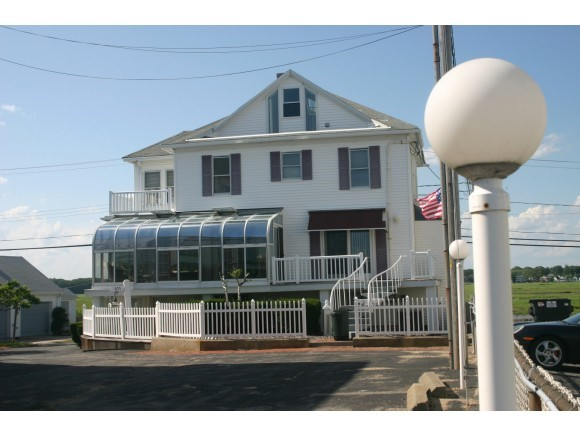 VILLAGE OF HAMPTON BEACH NH IN TOWN OF HAMPTON NH Home for sale $$750,000 | $215 per sq.ft.