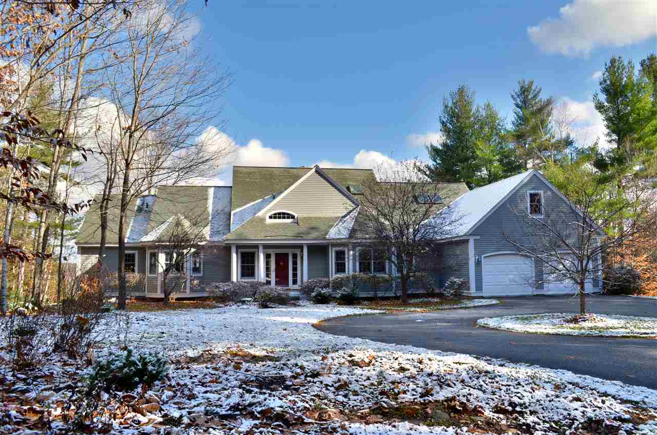 NEW LONDON NH Home for sale $$675,000 | $160 per sq.ft.