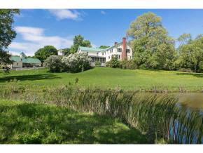 1277 Thompsons Point Rd, Charlotte, VT 05445