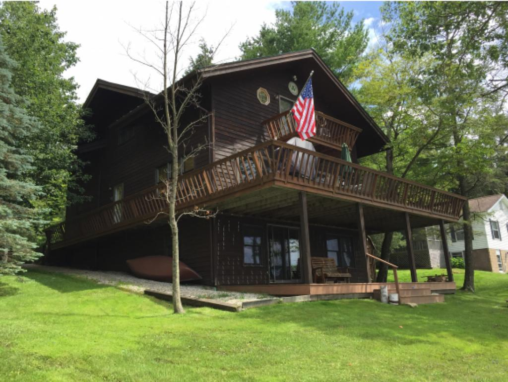 HUBBARDTON VT Lake House for sale $$525,000 | $234 per sq.ft.