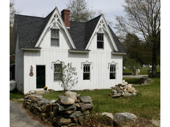 NEW LONDON NH Home for sale $$299,000 | $180 per sq.ft.