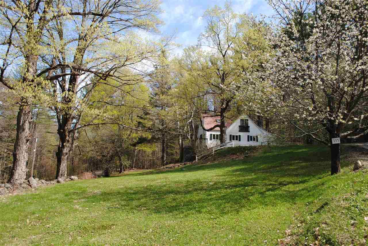 Beautiful, peaceful farmhouse with 4 bedrooms and...