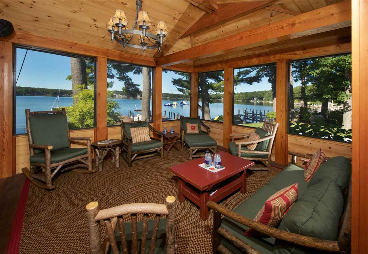 Lake winnipesaukee nh waterfront homes for sale lake for Lake front homes