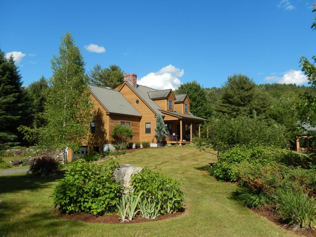 TOPSHAM VTLake House for sale $$599,000   $237 per sq.ft.