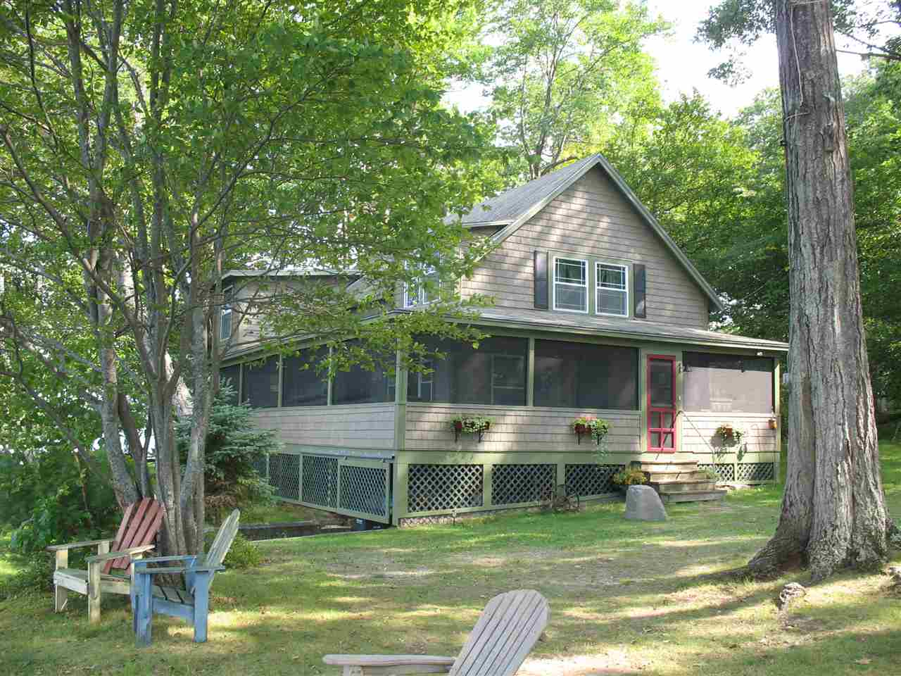 ENFIELD NH Lake House for sale $$549,000 | $304 per sq.ft.