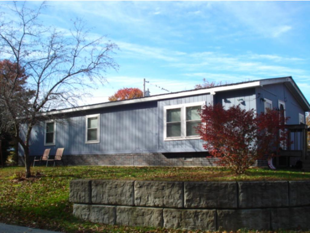 CHARLESTOWN NHMobile-Manufacured Home for sale $$49,900   $40 per sq.ft.