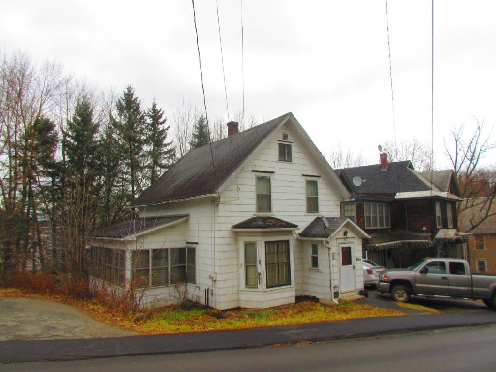 80 West Main Street, Newport City, VT 05855