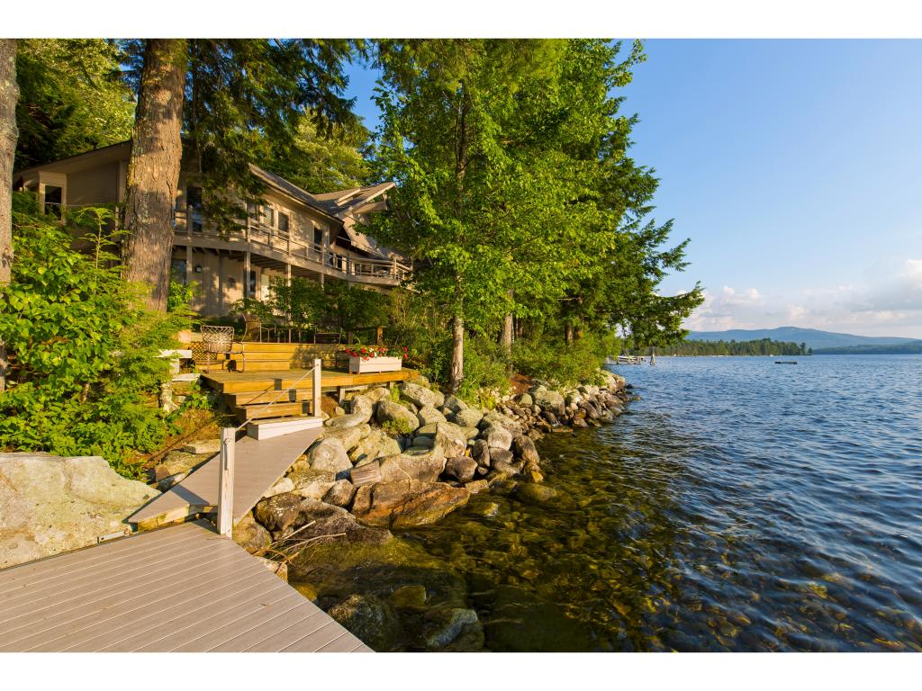 NEW LONDON NH Lake House for sale $$2,795,000 | $528 per sq.ft.