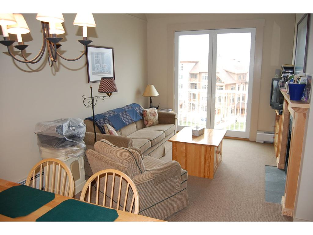 Long Trail! Top floor two bedroom, two bath...