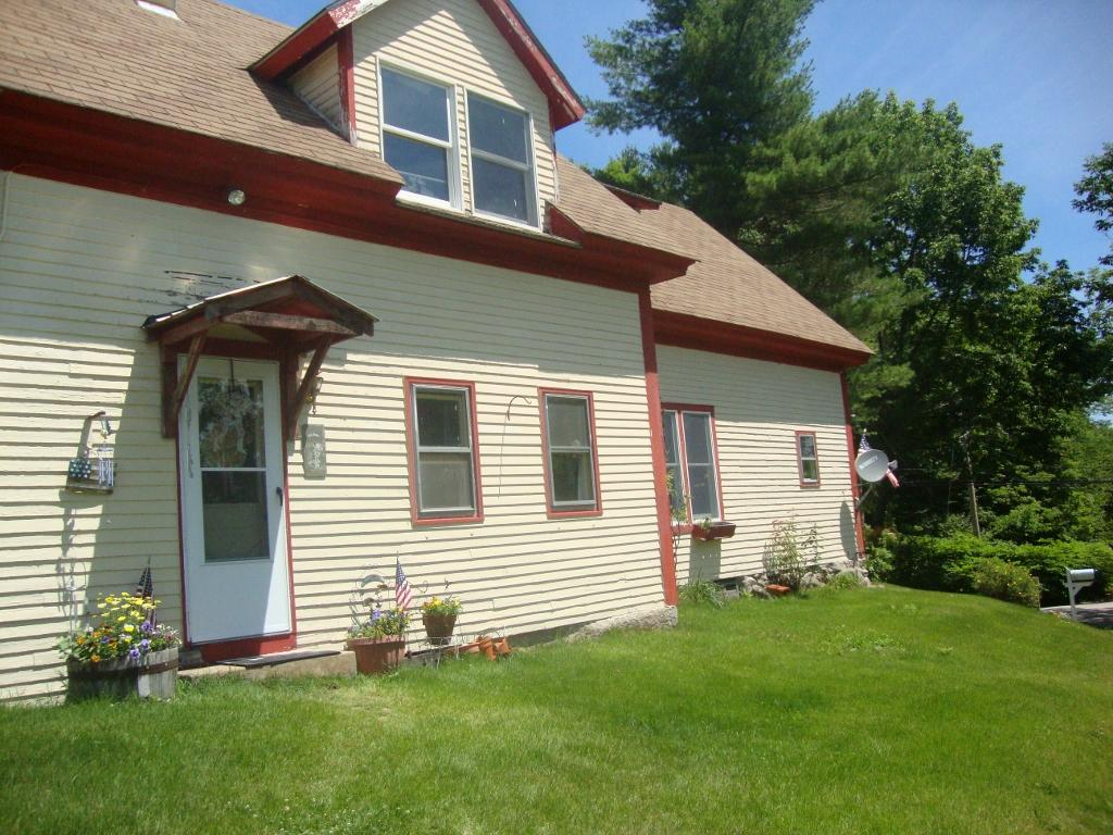 SUNAPEE NH Home for sale $$234,900 | $151 per sq.ft.