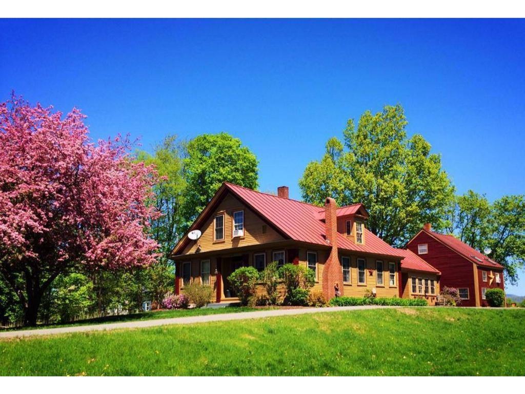 NEWBURY VTHome for sale $$259,900 | $59 per sq.ft.