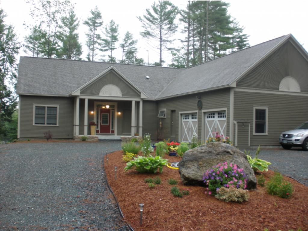 VILLAGE OF EASTMAN IN TOWN OF GRANTHAM NH Home for sale $$599,000 | $229 per sq.ft.