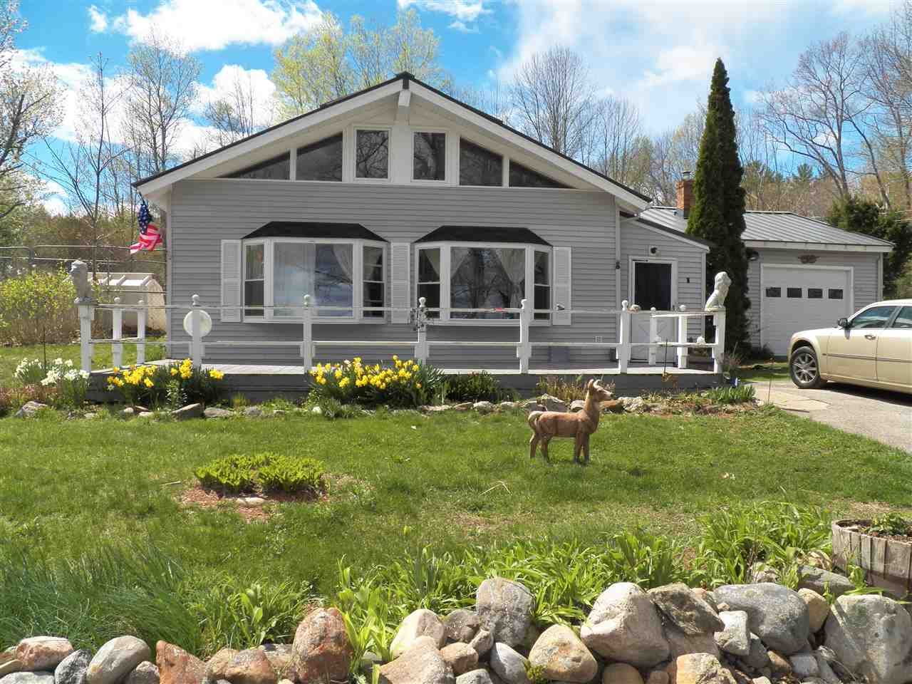 DEERFIELD NH Lake House for sale $$449,900 | $215 per sq.ft.