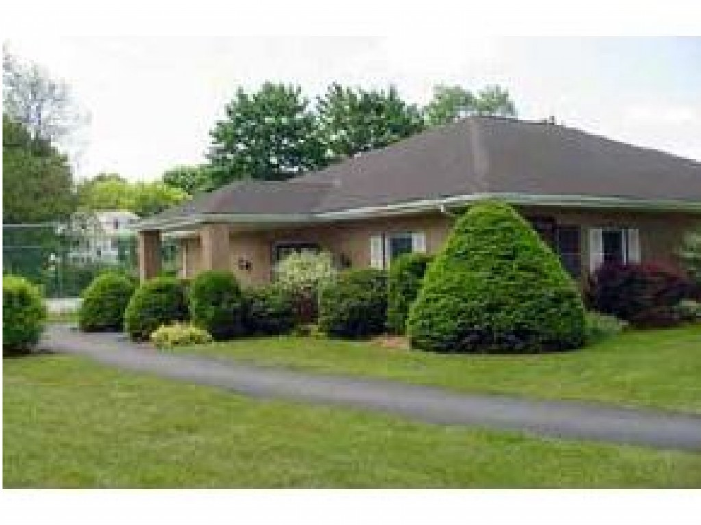 Hudson NH Condo for sale $List Price is $123,900