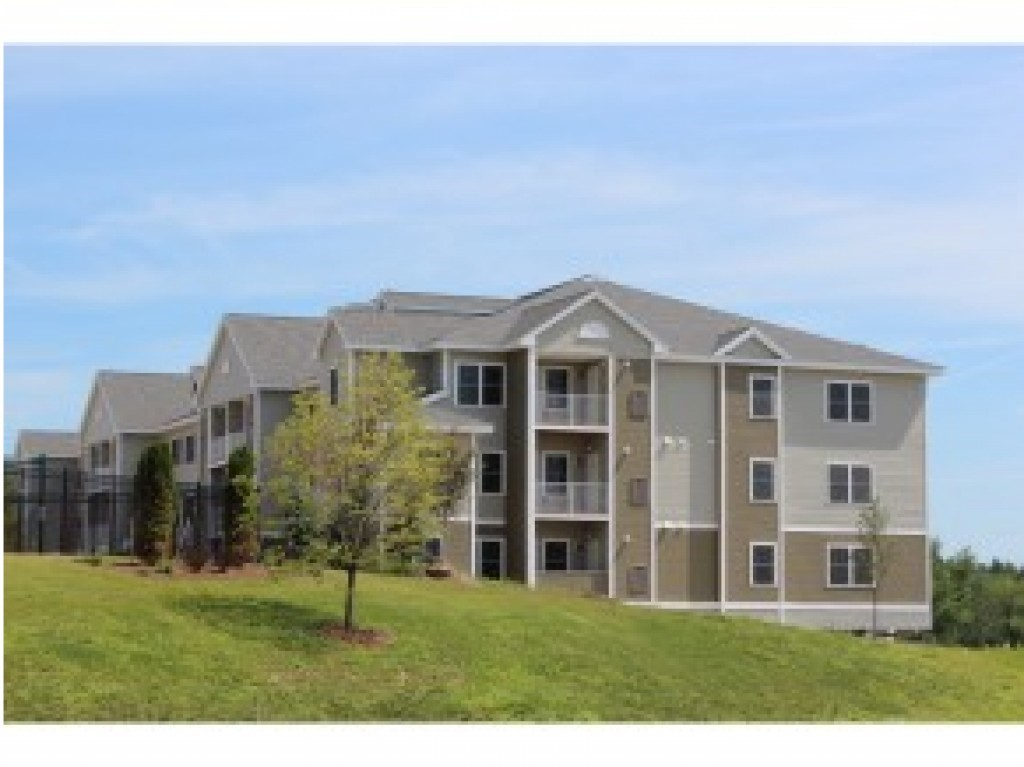 BEDFORD NH Condo for rent $Condo For Lease: $2,895 with Lease Term