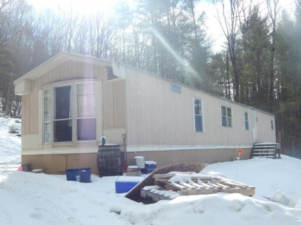 HARTFORD VT Home for sale $$109,900 | $115 per sq.ft.