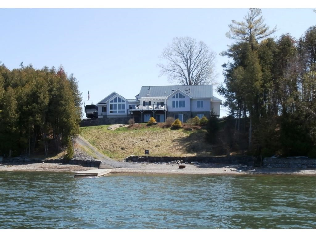 PANTON VT Lake House for sale $$995,000 | $995 per sq.ft.