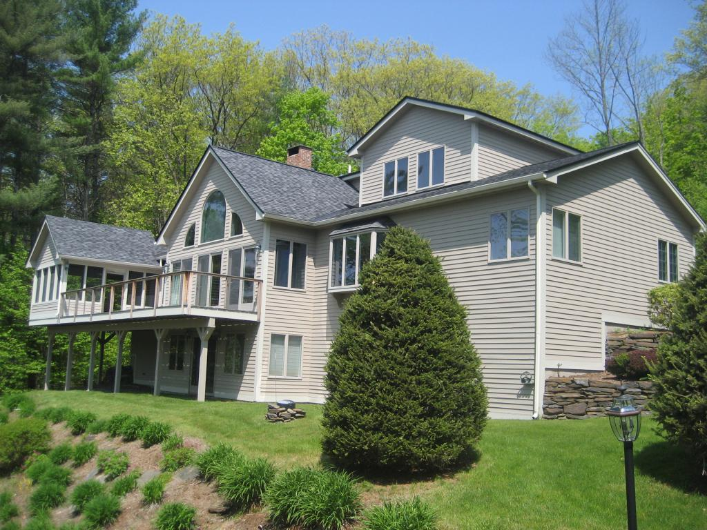 VILLAGE OF QUECHEE IN TOWN OF HARTFORD VT Home for sale $$575,000 | $169 per sq.ft.