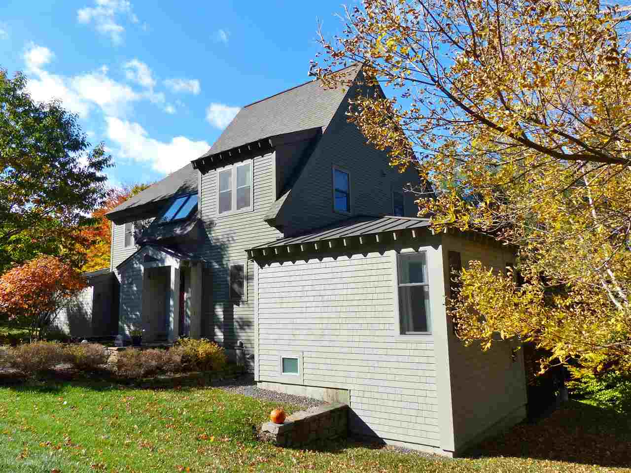 VILLAGE OF QUECHEE VT IN TOWN OF HARTFORD VT Condo for sale $$369,000 | $148 per sq.ft.