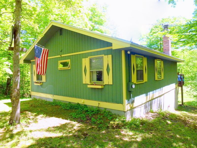 VILLAGE OF BENNINGTON IN TOWN OF READSBORO VTHome for sale $$129,900 | $151 per sq.ft.