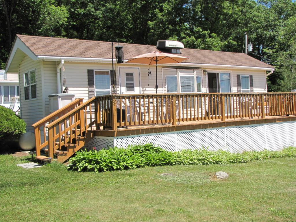 Weare NHMobile-Manufacured Home for sale $List Price is $54,900