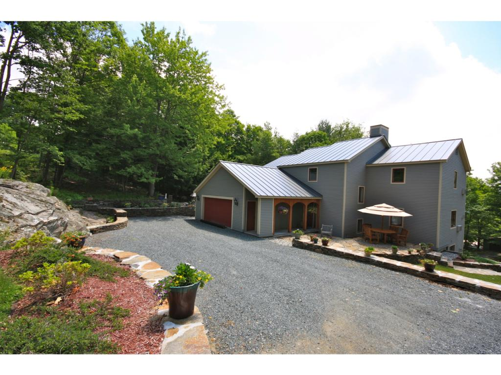 VILLAGE OF QUECHEE IN TOWN OF HARTFORD VT Home for sale $$699,000 | $272 per sq.ft.