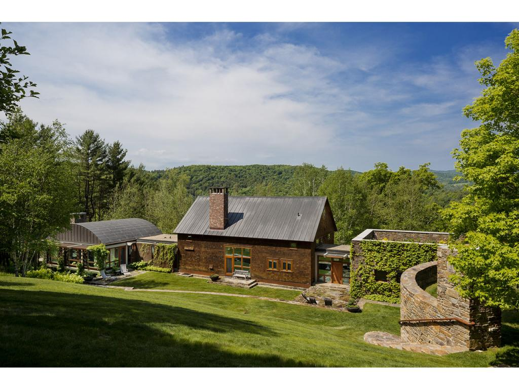 WOODSTOCK VT Home for sale $$2,475,000 | $506 per sq.ft.
