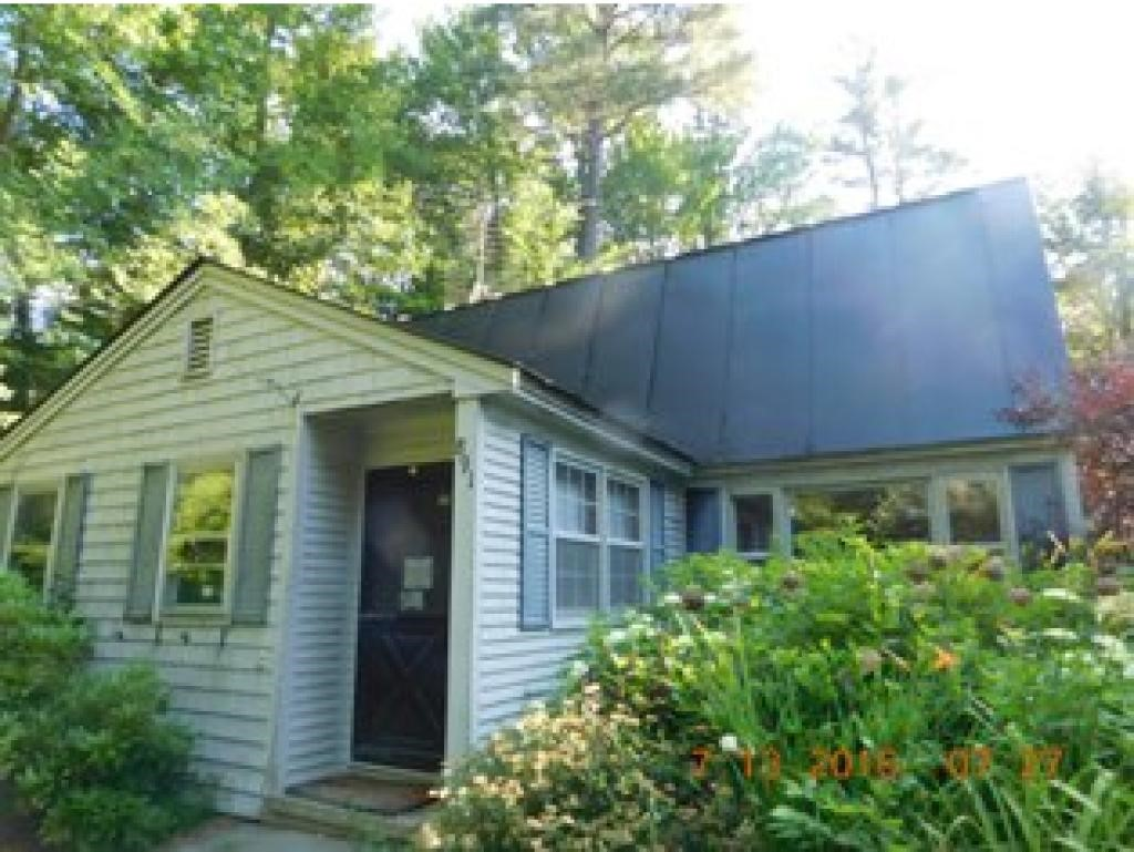 VILLAGE OF QUECHEE VT IN TOWN OF HARTFORD VTHome for sale $$115,000 | $51 per sq.ft.