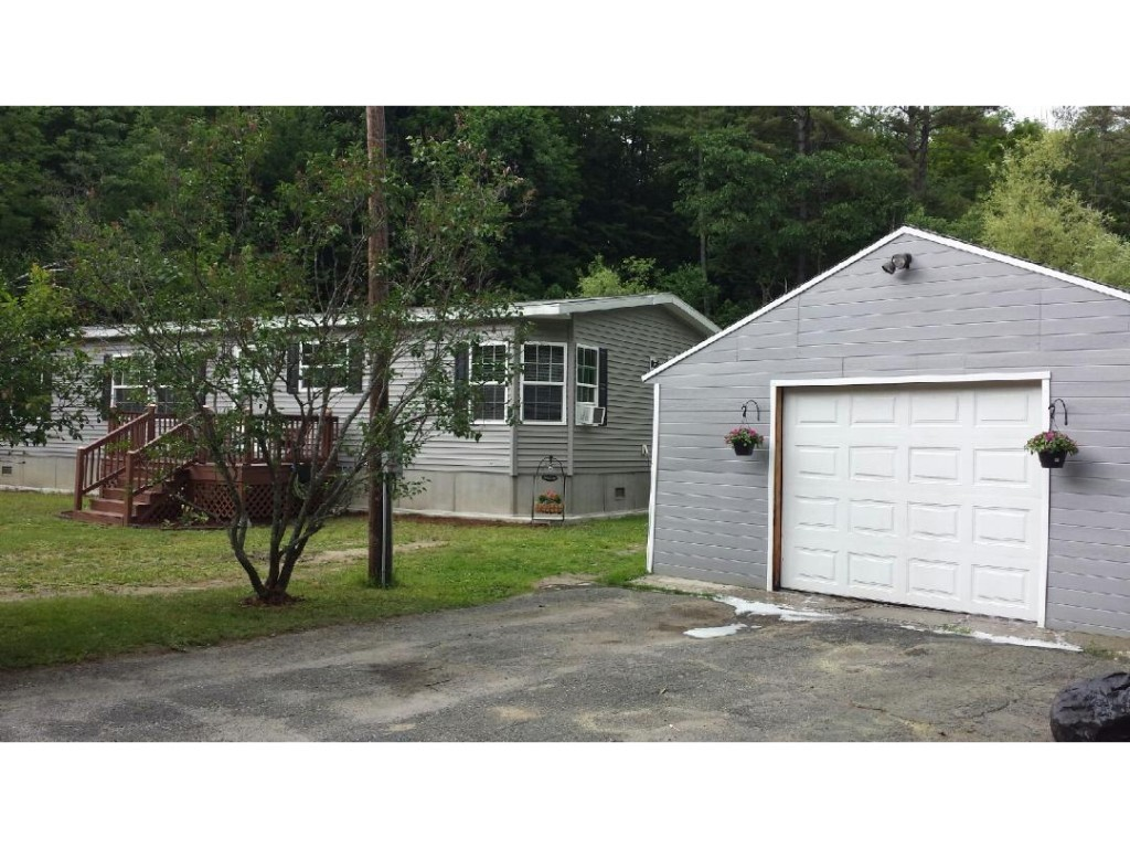 35 Dustin Heights Road, Claremont, NH 03743