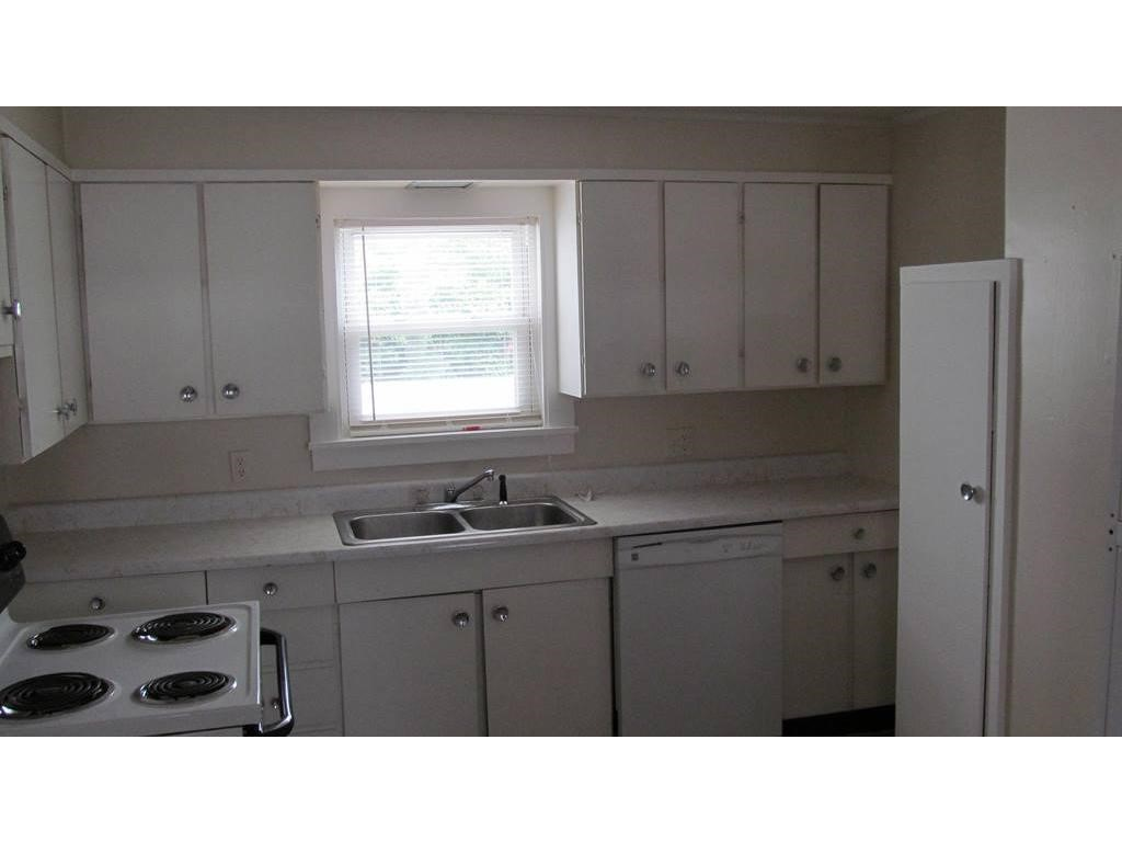 Claremont NH  for rent $$1,000 Monthly Rent with Lease Term
