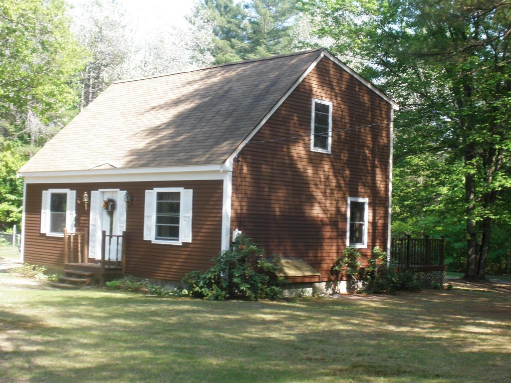 Effingham NH Home for sale $$175,900 $131 per sq.ft.