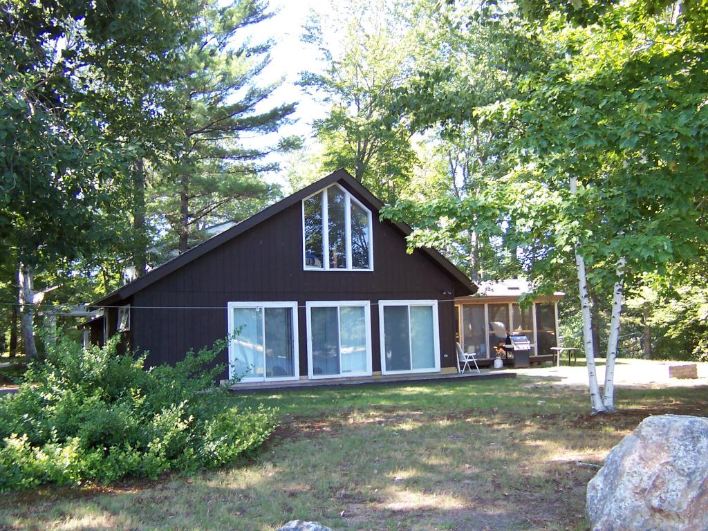 VILLAGE OF CENTER BARNSTEAD NH IN TOWN OF BARNSTEAD NH Home for sale $244,900