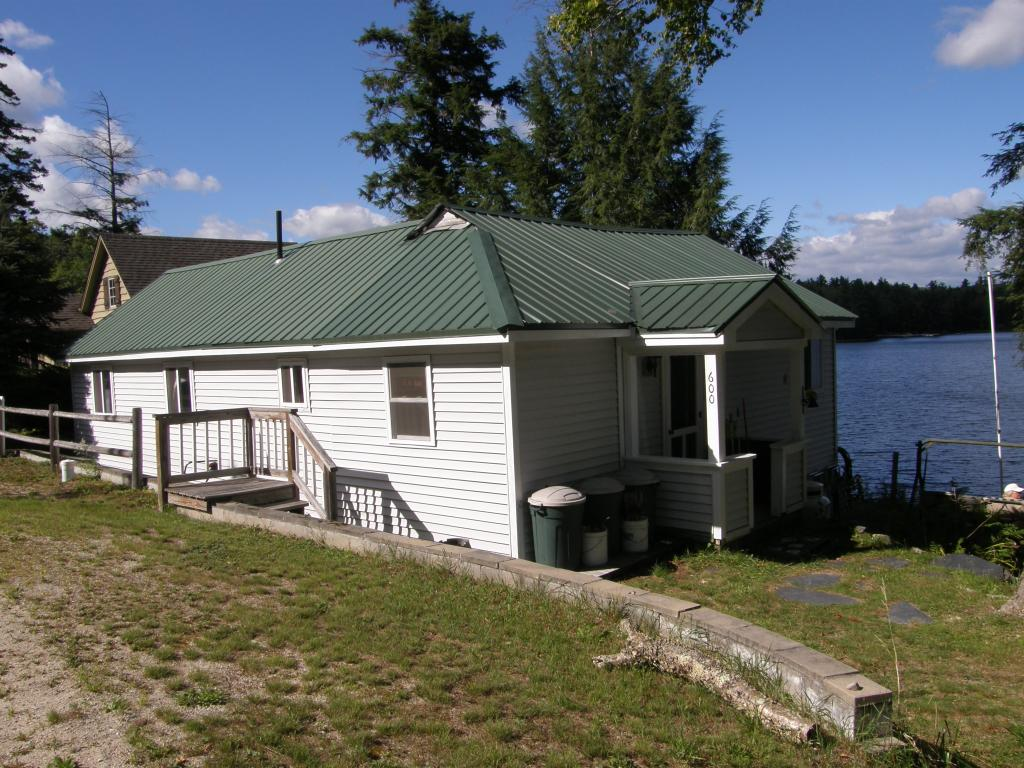 SPRINGFIELD NH Lake House for sale $$215,000 | $259 per sq.ft.