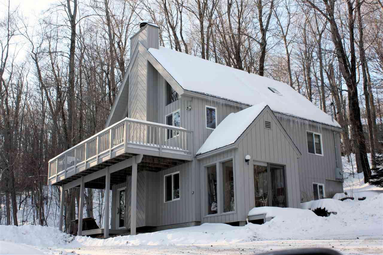 Custom built home that shows like new! Tastefully...