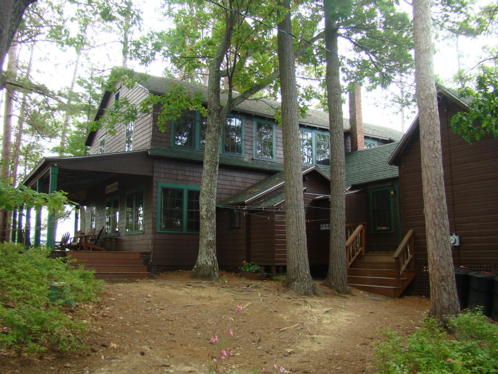HOLDERNESS NH  Home for sale $895,000