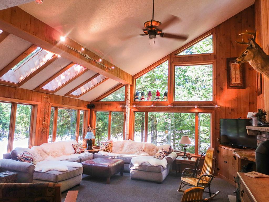 LINCOLN NH Home for sale $895,000
