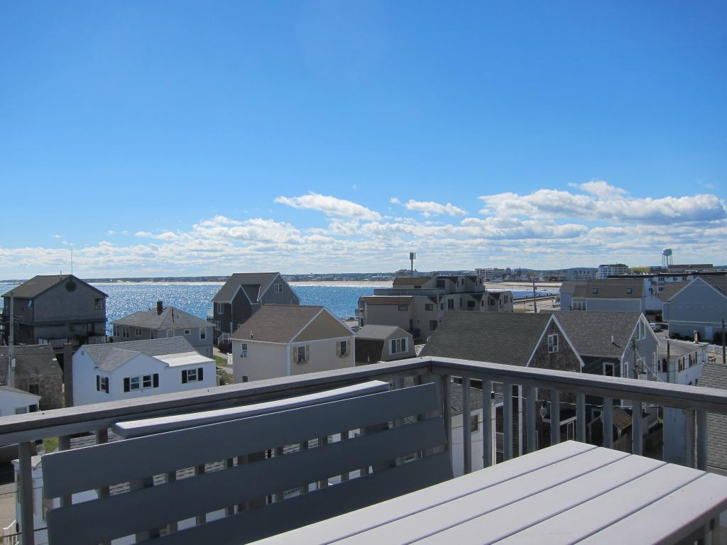 HAMPTON NH Home for sale $$599,000 | $219 per sq.ft.