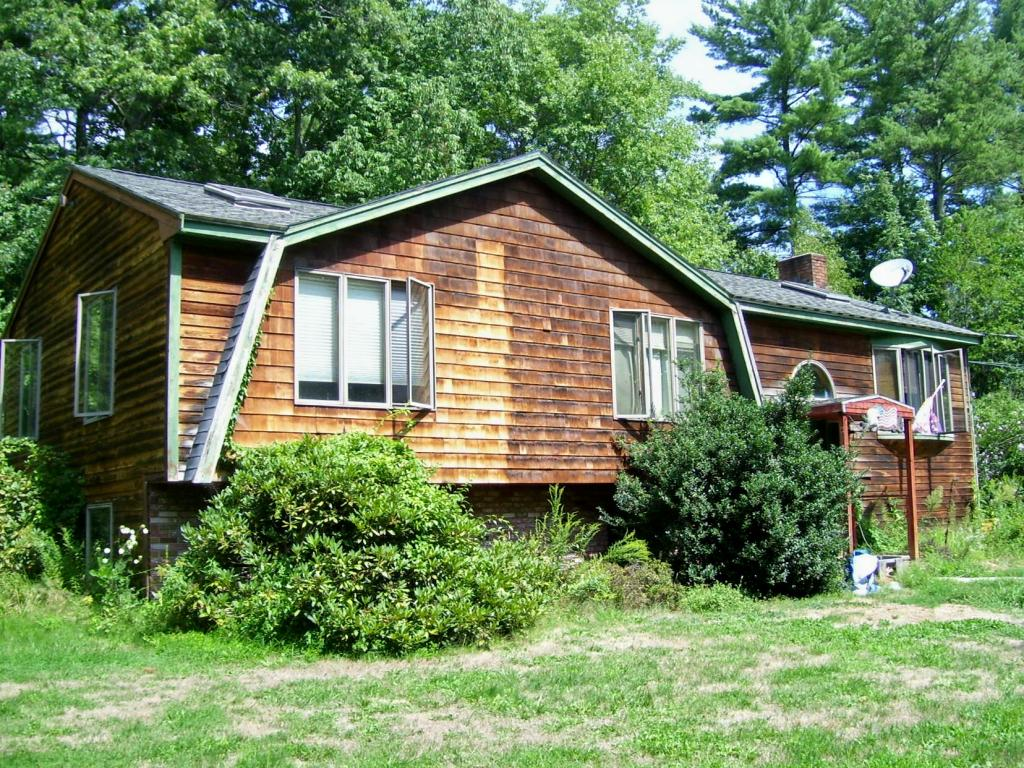 Derry NH Home for sale $List Price is $168,000