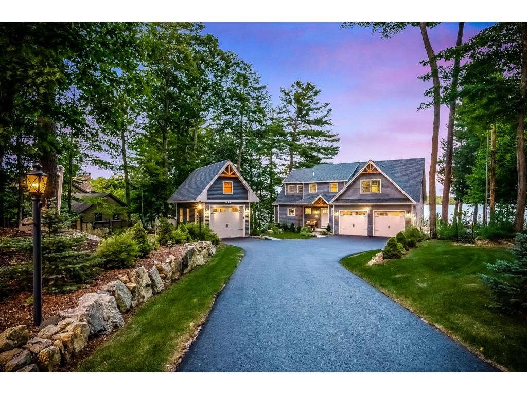 singles in moultonborough 5 bed, 40 bath, 5816 sqft, single family located at 78/107 portage pass  moultonborough nh mls# 4604271 property presented by kristin claire at  four.