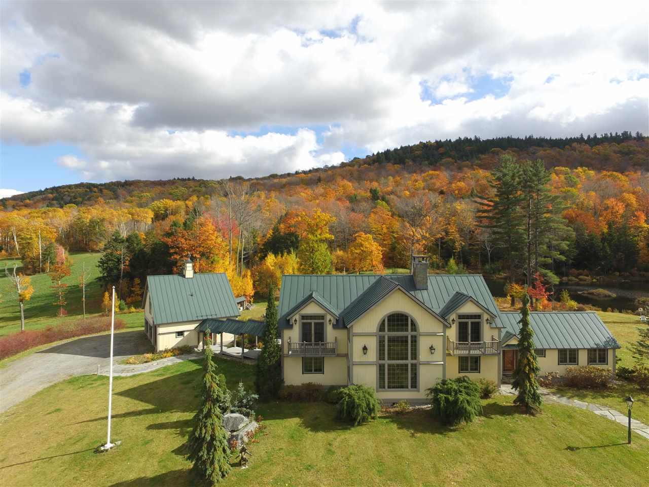 Located 3 miles from Stratton Mountain, make your...
